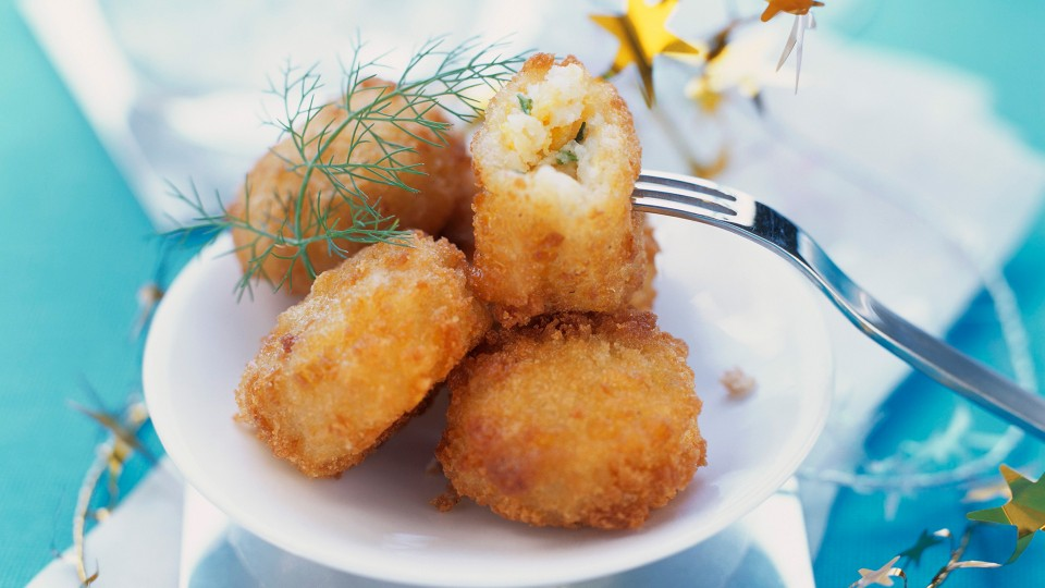 bombones-de-patata-y-bacalao-960x540